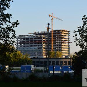 Pohľad z Twin City bude čoskoro nemožný, keďže tu vyrastie jedna z veží Sky Parku.
