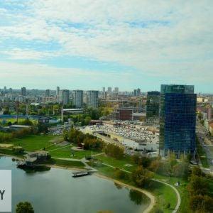 Jazero Kuchajda, nákupné centrum Polus City Center a pohľad k centru.