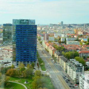 Vajnorská ulica, pohľad k centru. Ide o ulicu s potenciálom premeny na skutočnú mestskú triedu.