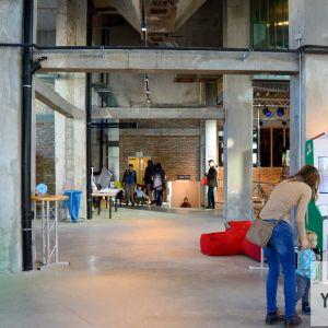 Hlavný eventový priestor. Vytvorí skvelé zázemie pre konanie komornejších podujatí, vernisáží, výstav či koncertov.