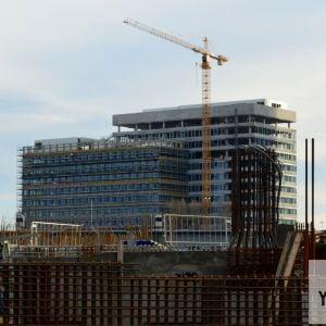 Administratívny projekt Panorama Office III od JTRE v diaľke.