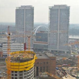 Nová Bratislava: výškové budovy nového centra mesta na mieste industriálnej štvrte.