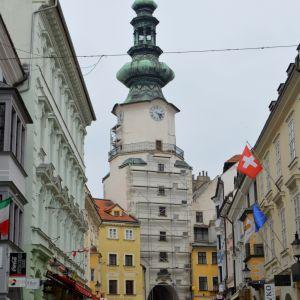 Asi najvýznamnejšou tohtoročnou rekonštrukciou v historickom centre je obnova Michalskej brány. Rekonštrukciu zabezpečuje a financuje Bratislava - hlavné mesto SR.