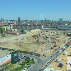 Obrovské stavenisko Stanice Nivy. Ide aktuálne o najväčšie stavenisko v Bratislave, ak nerátame výstavbu D4R7