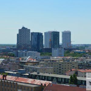 Bratislavský downtown s pribúdajúcimi vežami, medzi ktorými bude o niekoľko rokov dominovať veža Eurovea Tower.