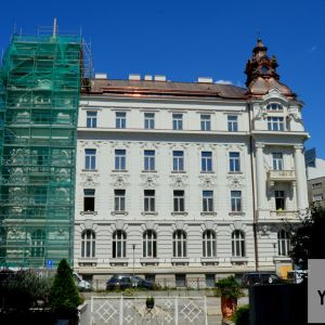 Gorkého 4 - pôvodný Palác priemyselnej a obchodnej komory a neskôr Administratívy SND sa mení na nadštandardný kancelársky komplex. Developerom je AMW Development, architektom Bouda Masár Architekti.