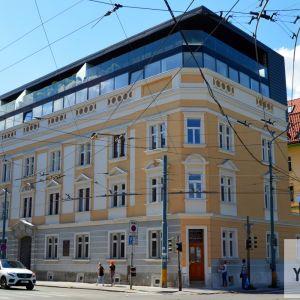 Spolkový dom alebo Dom typografov z roku 1896 bol dlhé roky v rekonštrukcii a procese výstavby nadstavby. Teraz sa zdá, že táto obnova sa konečne chýli k dokončeniu. Dom je Národnou kultúrnou pamiatkou.