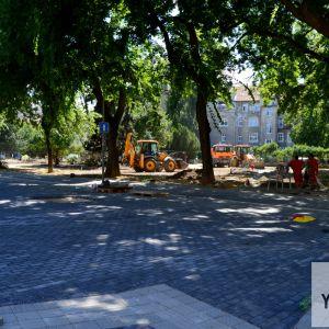 Rozšírený chodník pri vstupe do Landererovho parku od Gajovej ulice