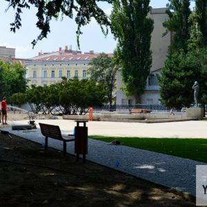 Obnovy sa dočká aj fontána, v jej okolí vznikne príjemný zhromažďovací priestor.