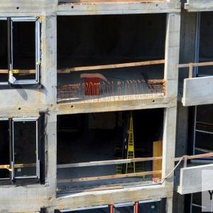 Pohľad do bytov vo veži č. I z Jurkovičovej teplárne