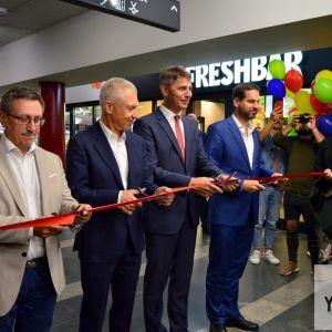 Podchod otvorili (zľava) starosta m.č. Ružinov Dušan Pekár, riaditeľ spoločnosti Immocap Group Peter Lukeš, primátor Hlavného mesta SR Bratislava Ivo Nesrovnal a starosta m.č. Nové Mesto Rudolf Kusý.