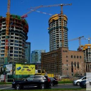 Pohľad z Landererovej. V budúcnosti bude tento pohľad nemožný, keďže ho zakryje najvyššia budova Sky Park Offices.