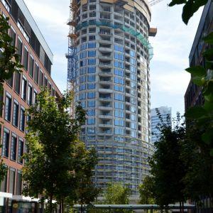 K najzaujímavejším pohľadom na veže patria tradične tie z Twin City. Spoločne s týmto developmentom vzniká celá moderná sekcia Bratislavy.