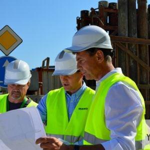 Postup prác skontroloval primátor Bratislavy Ivo Nesrovnal v doprovode Jakuba Gossányiho, Head of Development HB Reavis.