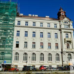 Rekonštrukcia paláca niekdajšej Obchodnej a priemyselnej komory, dnes projekt Gorkého 4 Offices od AMW Development, je už tiež tiež pred dokončením.