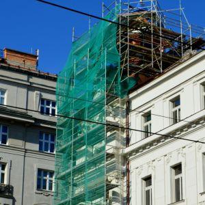 Práce prebiehajú už pomerne dlho, zvlášť na jednej z vyvýšených častí budovy. NKP sa stala v roku 1985.