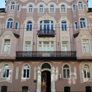 Dom patrí k pokladom uhorskej secesie v Bratislave.