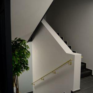 Z interiéru domu - schodisko.