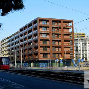 Urban Residence od Račianskej. Napravo pribudne v budúcnosti (snáď) tretia etapa Pri Mýte, ktorá urbanisticky dotvorí Račiansku ulicu.