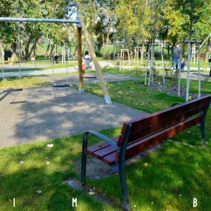 Veľká časť parku je vďaka prítomnosti vzrastlej zelene v tieni
