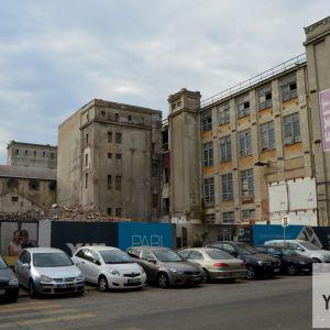 V budúcnosti sa plocha pred Pradiarňou vyčistí a vznikne tu veľkorysé námestie ako súčasť projektu Zwirn.