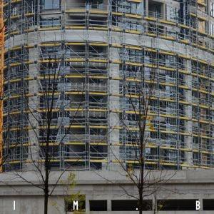Na veži II je v najpokročilejšej fáze je realizácia fasády