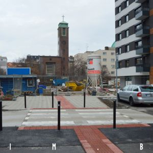 Vyvýšený prechod medzi Kmeťovym námestím a budúcim priestorom pred kostolom