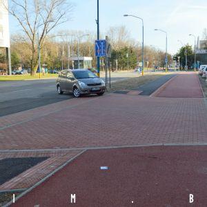 Pozitívom je vybudovanie vyvýšených prahov pre cyklistov a chodcov na úkor áut