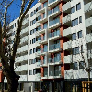VI Group je spojené s architektonickou kanceláriou, čo sa občas prejaví na hravých fasádach projektov developera