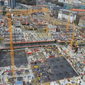 Postup výstavby z 18. nadzemného podlažia