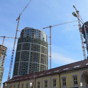 Veže Sky Parku z Továrenskej, 17.3.2019