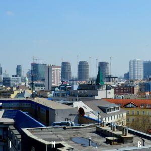 Downtown s postupne pribúdajúcimi vežami
