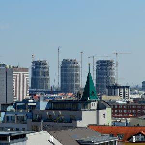 Rezidenčné veže Sky Parku sú pred dosiahnutím hrubej stavby
