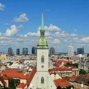 Bratislava bola vždy mesto kontrastov, čo je jej silná stránka