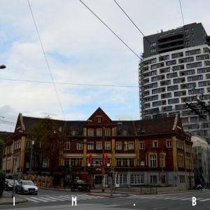 Première konečne odhaľuje fasádu, hanbou Bratislavy ostáva