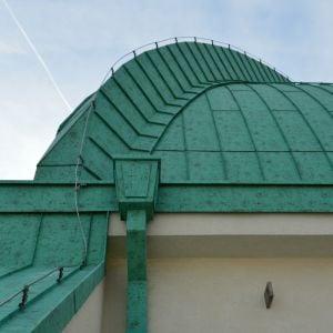 V rámci rekonštrukcie bola obnovená medená strecha s pôvodnou farebnosťou