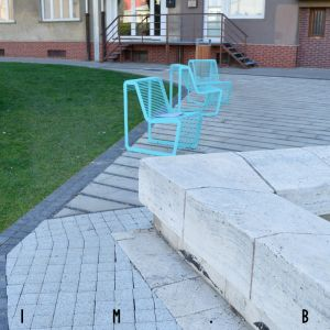 Parčík na Karadžičovej ulici, detail zlého riešenia
