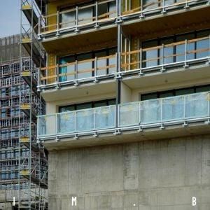 Detail riešenia fasády na balkóne