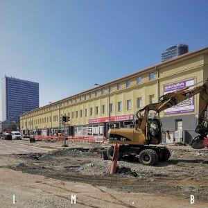 Rekonštrukcia električkovej trate na Americkom námestí sa naplno rozbehla