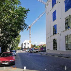 Popri Zwirne by cyklotrasa mala podľa pôvodného projektu viesť po južnej strane ulice - vpravo