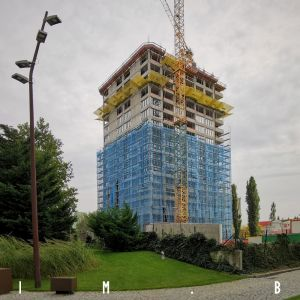Discovery Residence napreduje a získava fasádu