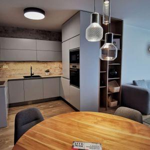 Trojizbový byt s interiérom od Architekti Šebo Lichý