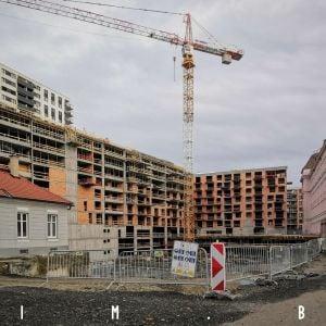Jégého Alej V sa rozširuje o vežu Danubius One, prvé budovy dosiahli štádium hrubej stavby