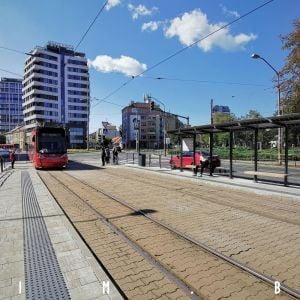 Hlavné mesto definitívne ukončilo obnovu zastávky na Račianskom mýte a ohlásilo veľkú obnovu prístreškov